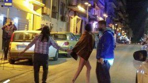 Θεσσαλονίκη: Γυναίκα βγήκε ολόγυμνη σε κεντρικό δρόμο