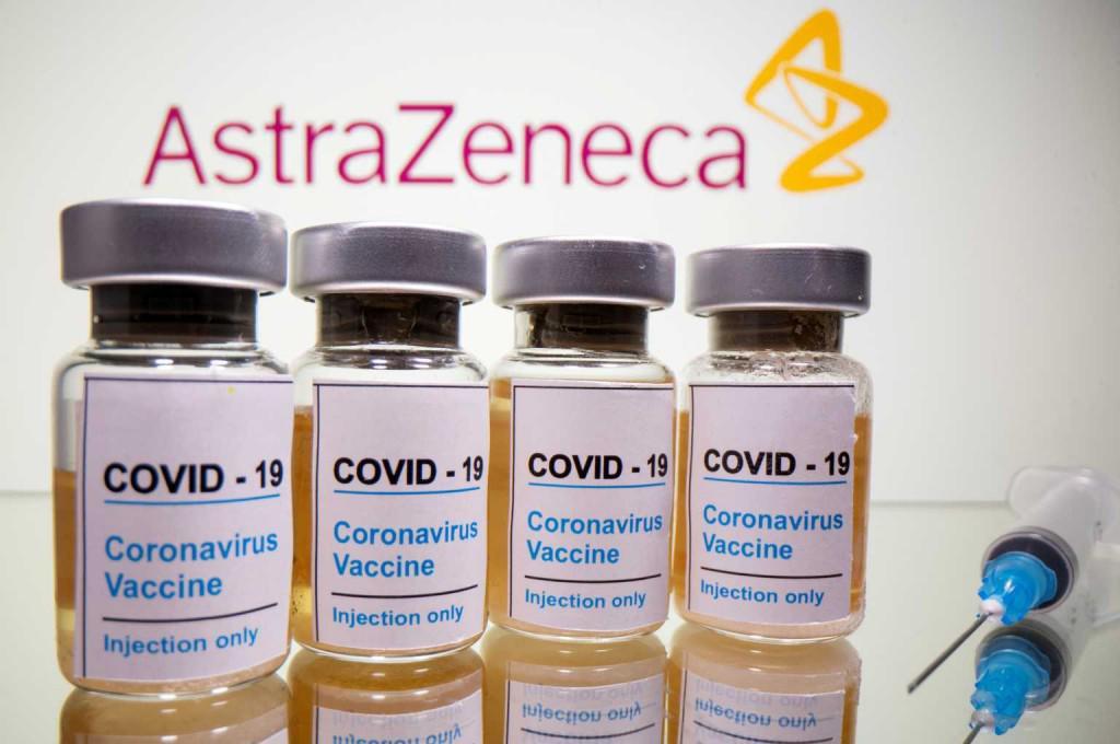 Εμβόλιο AstraZeneca: Το παρασκήνιο που οδήγησε στο να μην αλλάξουν τα όρια ηλικίας