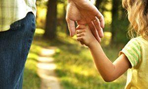 Επίδομα παιδιού Α21: Ποιοι θα δουν αύξηση – Πότε πιστώνεται η 2η δόση