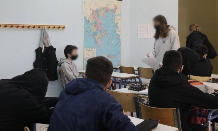Φάκελος Παιδεία: Όλες οι αλλαγές σε Πανελλήνιες, ΑΕΙ και σχολεία – Τι προανήγγειλε η Κεραμέως
