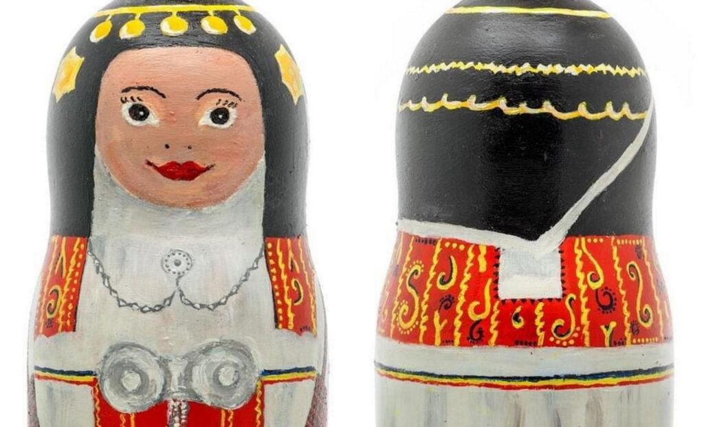 Ματριόσκα: Για πρώτη φορά η ρωσική κούκλα έγινε Ελληνίδα (φωτο)