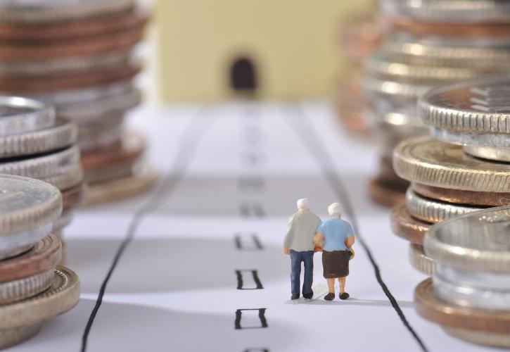 Έρχεται νέος γύρος αναδρομικών στους συνταξιούχους: Επιστρέφονται δώρα και μειώσεις επικουρικών