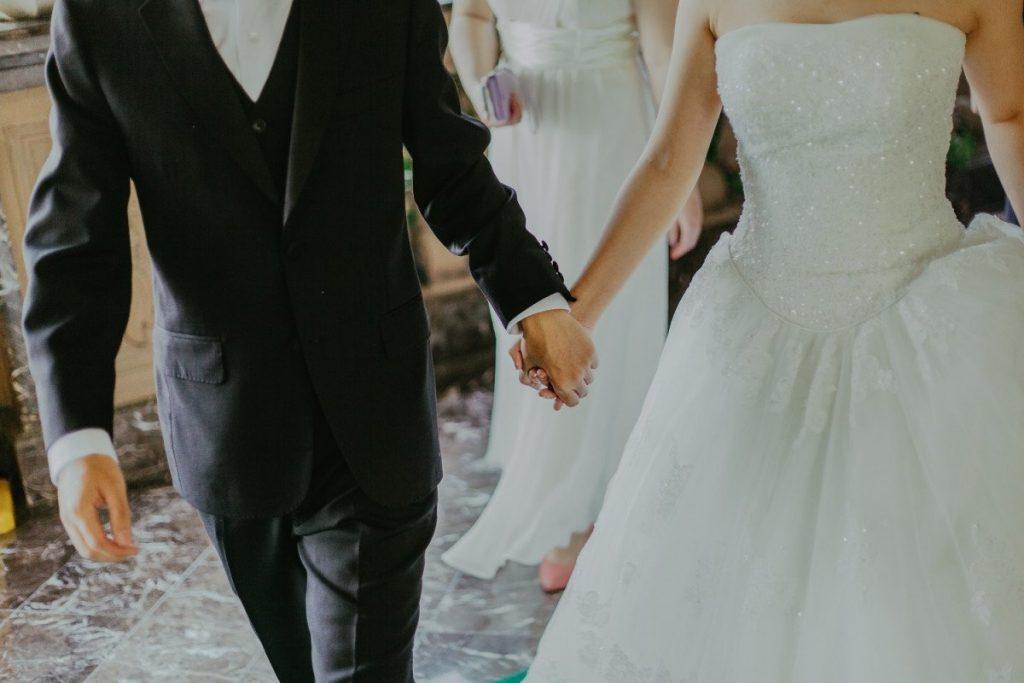 Αλλιώτικοι γάμοι από φέτος με... ραντεβού σε διαγνωστικά κέντρα και μοριακά τεστ