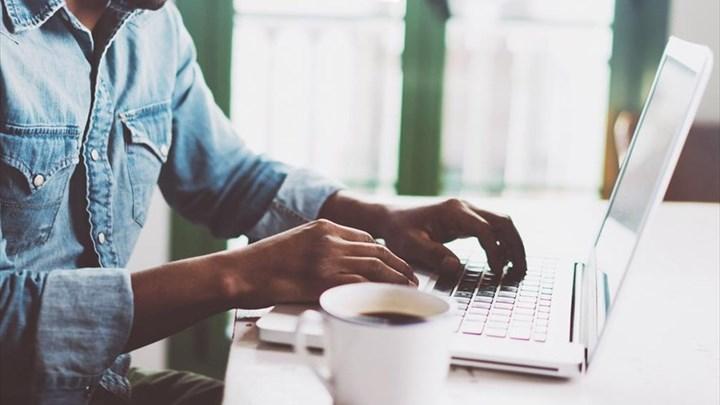 Εργασιακά: Η διευθέτηση του χρόνου εργασίας και γιατί χρειάζεται ρύθμιση και του χρόνου ασφάλισης