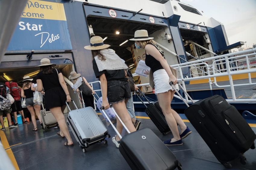 Μετακίνηση εκτός νομού: Οι προϋποθέσεις για ταξίδι στο νησί ή στο χωριό