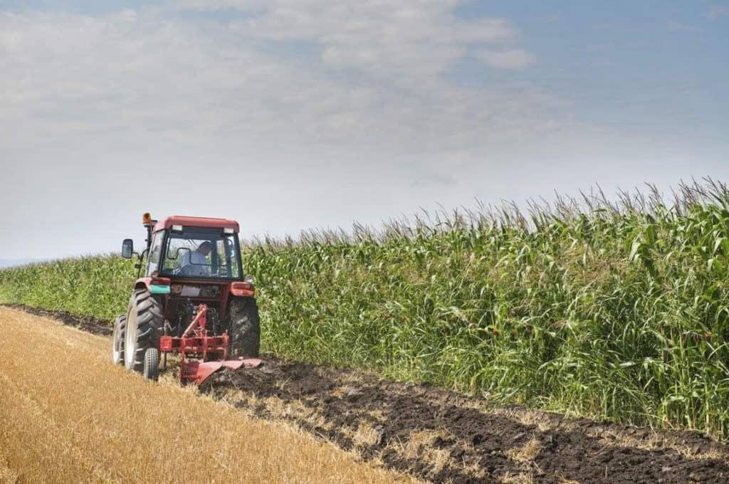 Αγρότες και μεταποιητικές επιχειρήσεις: Δάνεια έως 200.000 από το Ταμείο Εγγυήσεων