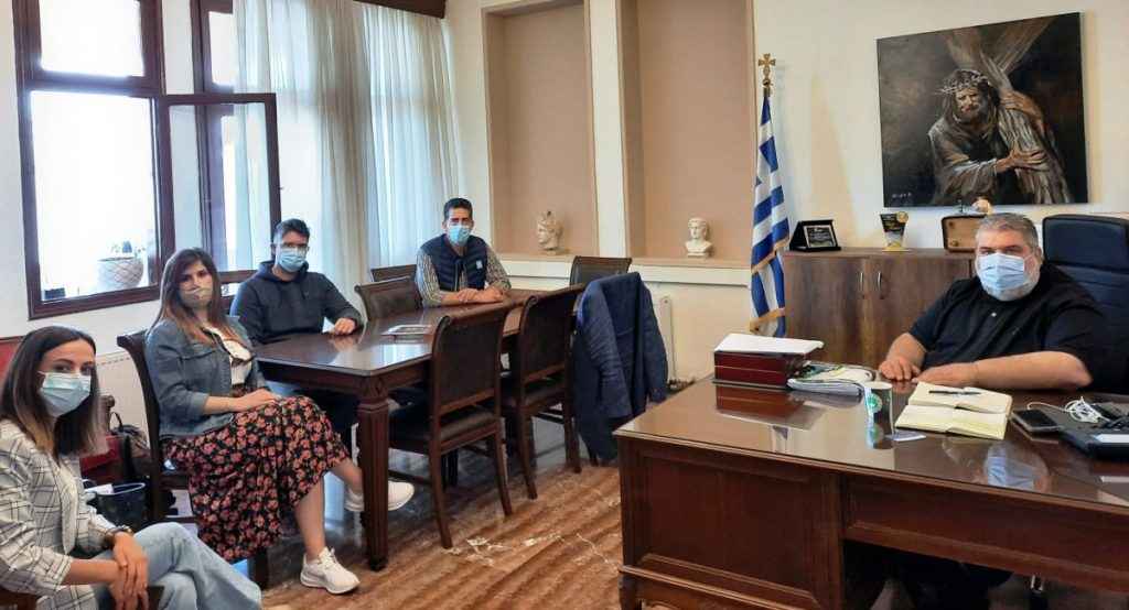 Επίσκεψη στο γραφείο του Δημάρχου Εορδαίας από κλιμάκιο του ΚΕΘΕΑ Ηπείρου.