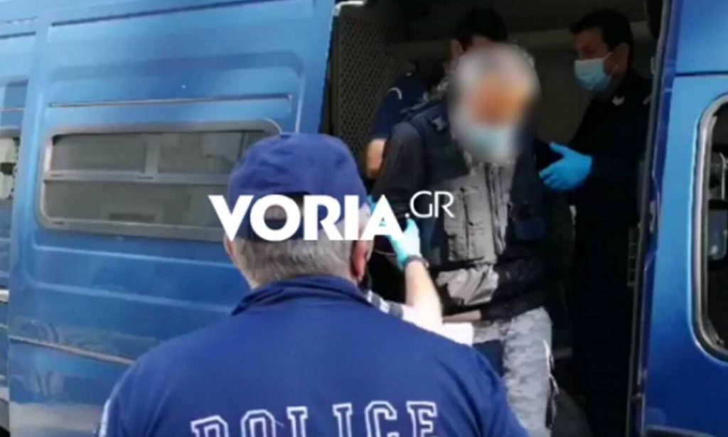 Κοζάνη - Επίθεση με τσεκούρι: Κατακραυγή στα δικαστήρια για τον δολοφόνο στη ΔΟΥ