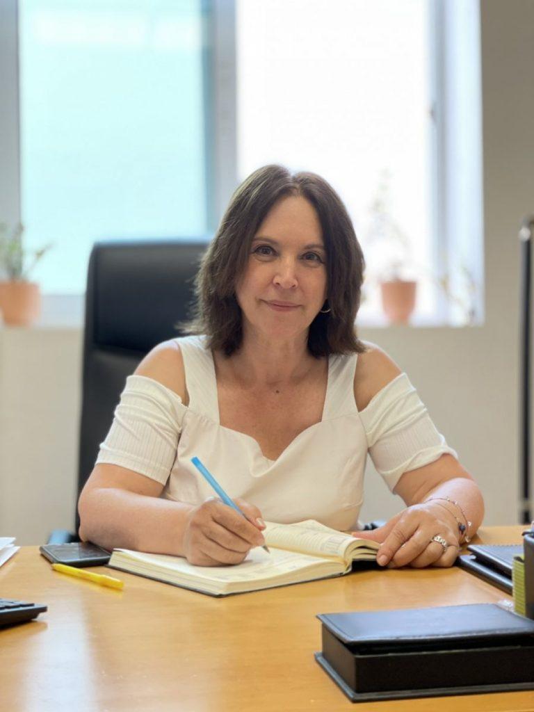 «Καλλιόπη Βέττα: Εύχομαι στις υποψήφιες και στους υποψήφιους καλή επιτυχία και να υπερκεράσουν τα εμπόδια που ορθώνονται μπροστά τους – Δήλωση για την έναρξη των Πανελλαδικών Εξετάσεων»