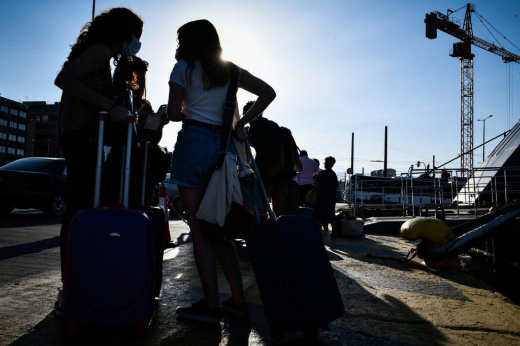 Περισσότεροι από 130 χιλιάδες νέοι έχουν ενεργοποιήσει το Freedom Pass