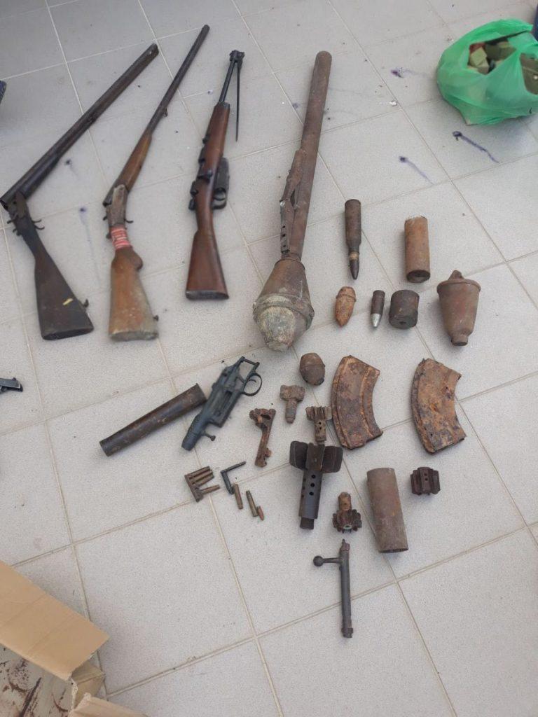 Μεγάλες ποσότητες πολεμικού υλικού καθώς και αντικείμενα αρχαιολογικής αξίας, βρέθηκαν και κατασχέθηκαν σε οικία σε περιοχή της Φλώρινας
