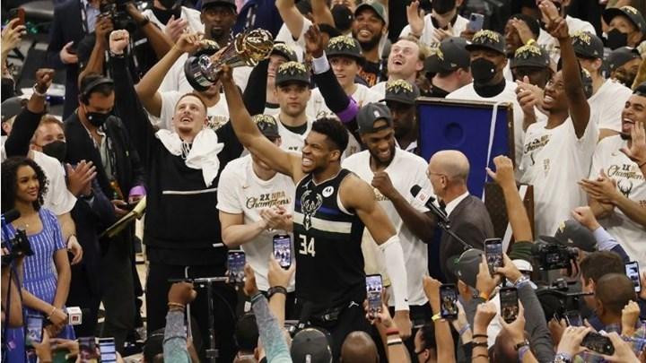 Γιάννης Αντετοκούνμπο: Ο πιτσιρικάς από τα Σεπόλια που έκανε ολόκληρο τον πλανήτη να παραμιλά - Η πορεία προς την κορυφή του NBA