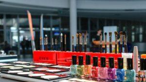 Ιωάννινα: Θηλυκή συμμορία έκλεβε καλλυντικά