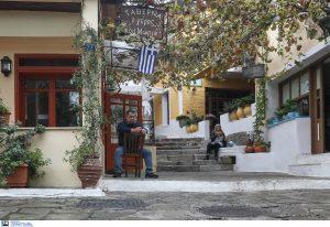 Ανατροπή για την είσοδο σε μπαρ, καφέ και εστιατόρια: Στον πάγο τα νέα μέτρα από 15 Ιουλίου