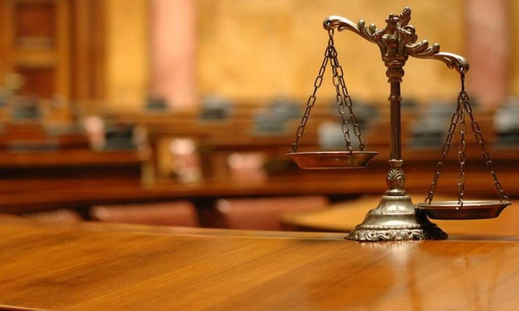 Kαθηγητής Συνταγματικού Δικαίου: Στα όρια της συνταγματικότητας η αναστολή εργασίας