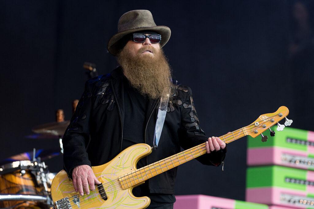 Πέθανε ο μπασίστας του θρυλικού ροκ συγκροτήματος ZZ Top