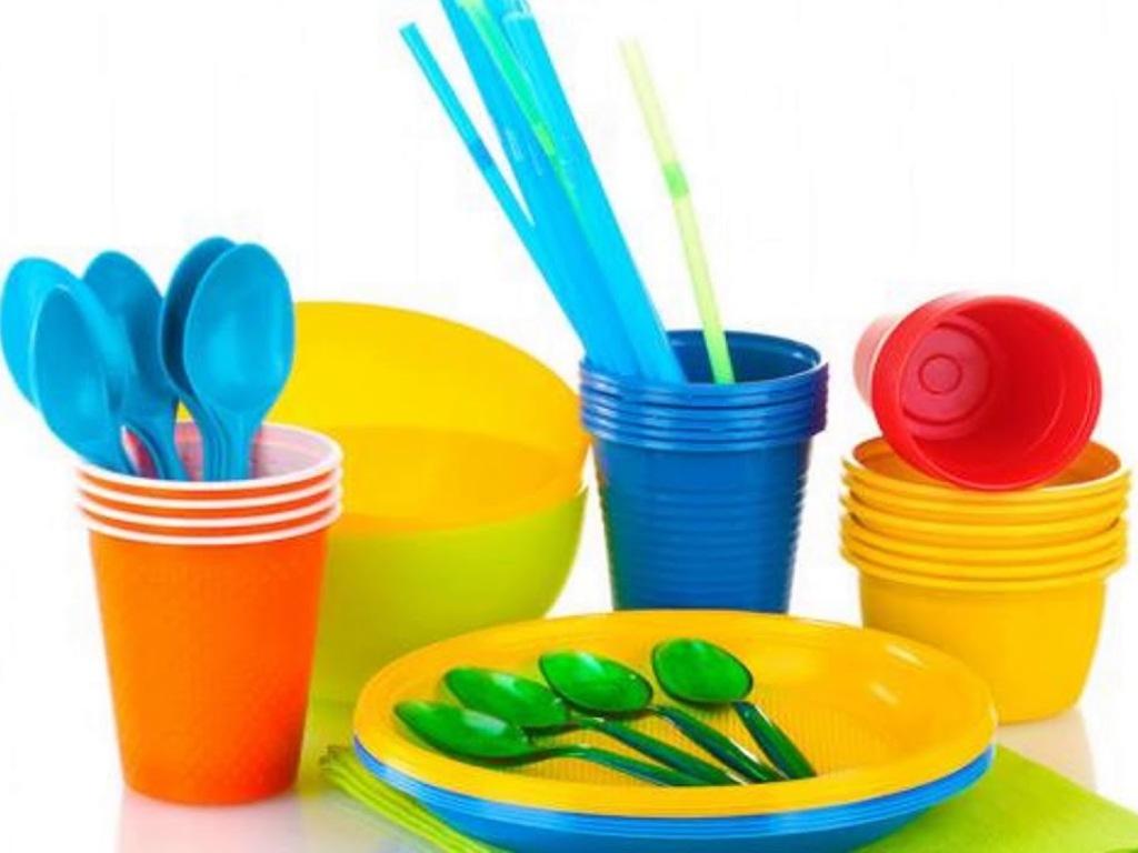 Τέλος σε 10 είδη πλαστικών μιας χρήσης από 3 Ιουλίου (λίστα)