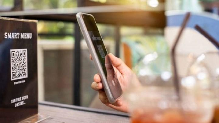 Θα αντικαταστήσει τον παραδοσιακό κατάλογο των εστιατορίων ο κώδικας QR;