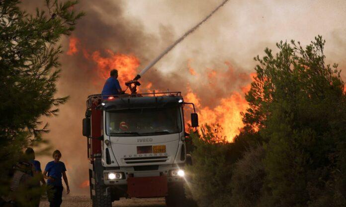 Φωτιά ΤΩΡΑ: Πού υπάρχουν τα κυριότερα μέτωπα στην Ελλάδα – Η εικόνα από την Πυροσβεστική
