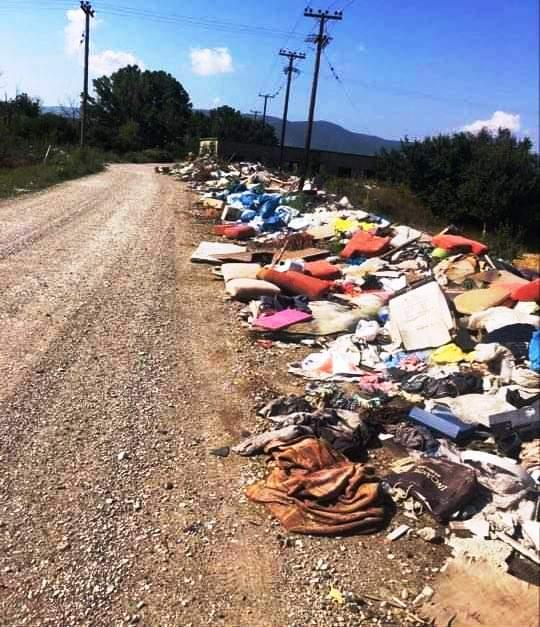 Εργασίες καθαρισμού του χώρου στην περιοχή των παλαιών σφαγείων Πτολεμαΐδας από το Δήμο Εορδαίας, με τη συνδρομή μηχανημάτων της Δ.Ε.Η. Α.Ε. .