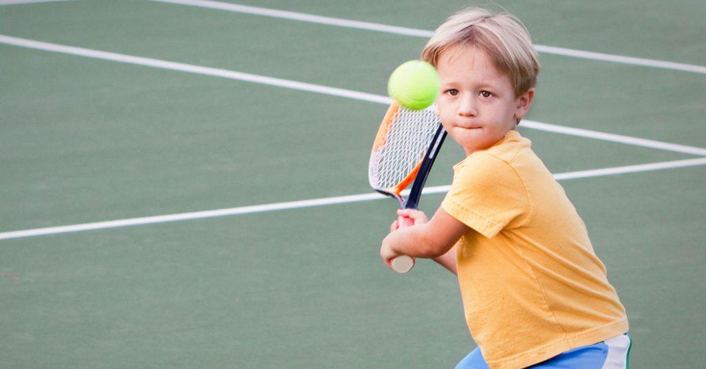 Γιατί να επιλέξετε το τένις για το παιδί σας