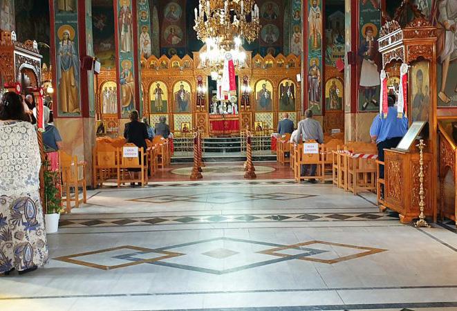 Από τη Θεσσαλία ξεκινούν οι εμβολιασμοί έξω από τις εκκλησίες
