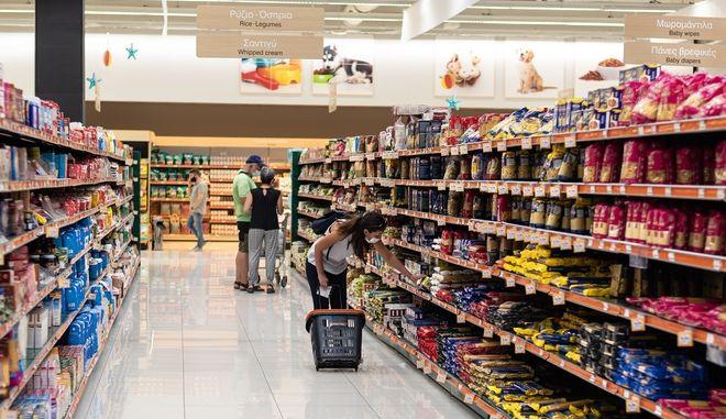 Κύμα ακρίβειας πλήττει ευάλωτους και μεσαία τάξη - Σε ποια προϊόντα βλέπουμε αυξήσεις