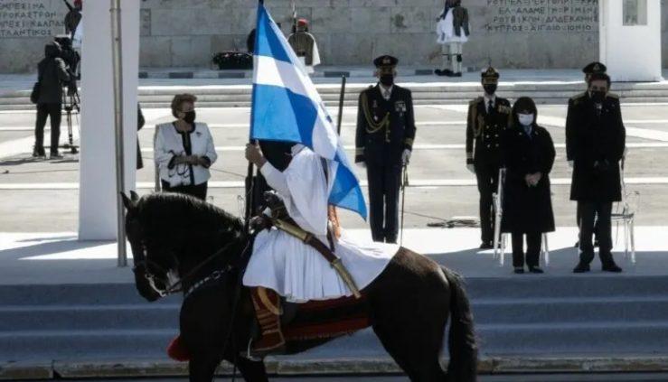 Κορωνοϊός: Στο «κάδρο» των ειδικών η απαγόρευση παρελάσεων – Τι απαντά ο Γεωργιάδης