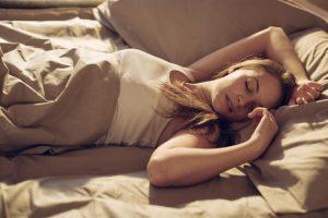 Τι προσφέρει και τι στερεί ο ύπνος το μεσημέρι (λίστα)