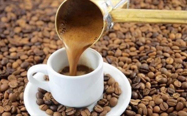 Η καθημερινή κατανάλωση 3-4 φλιτζανιών καφέ σχετίζεται με μειωμένο σωματικό βάρος