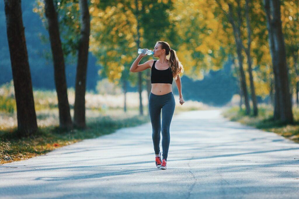 Ποιους μύες γυμνάζεις απλά περπατώντας;