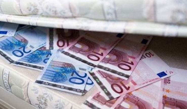 Σε στρώματα και θυρίδες πάνω από 33 δισ. ευρώ! (πίνακας)